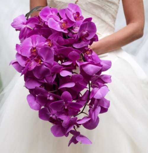 30-trendy-and-gorgeous-radiant-orchid-wedding-ideas-1-500x517