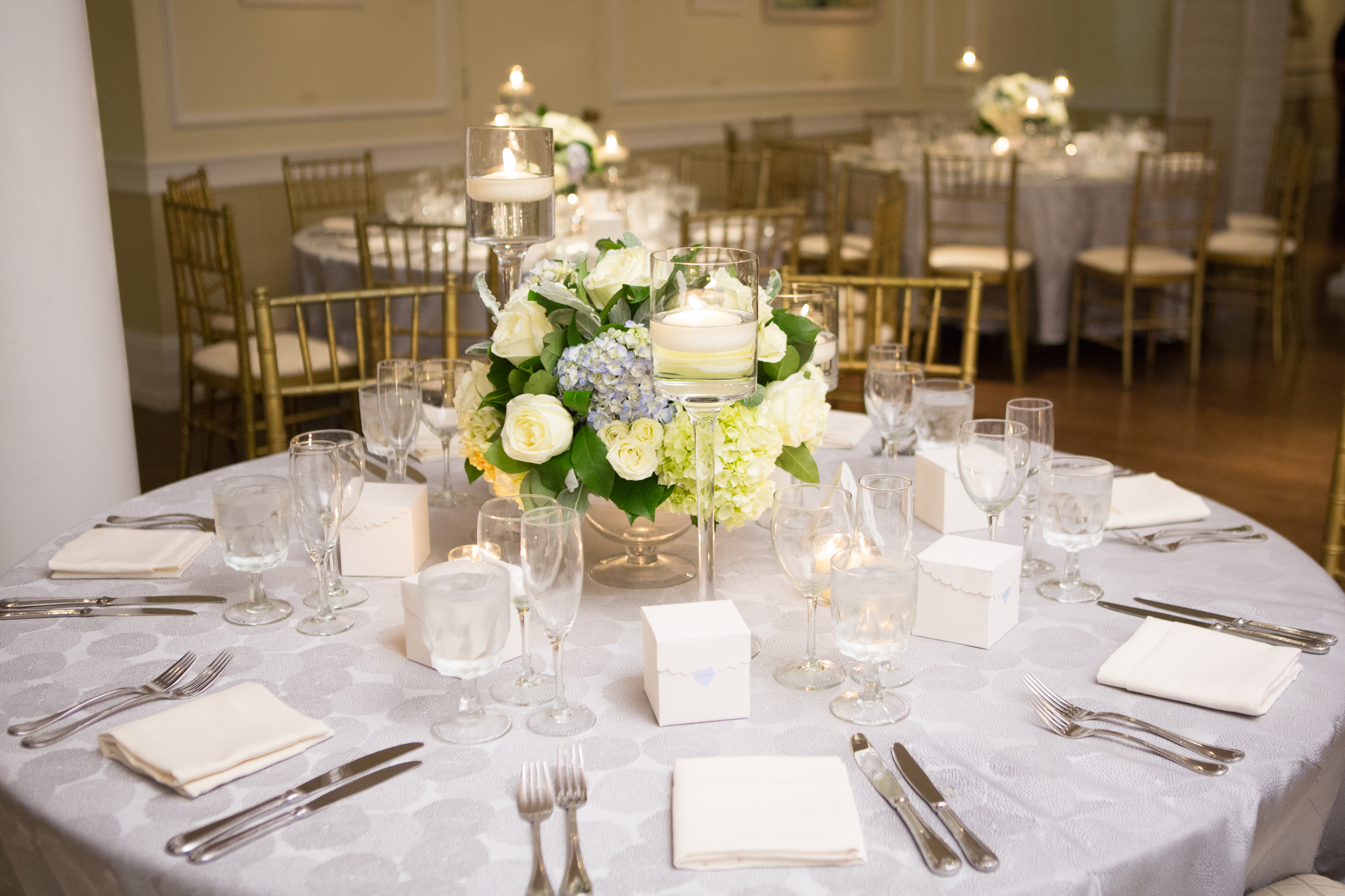 Add Tall Candles To Low Floral Arrangements Photo By Kate Fine Art Flowers And Centerpiece Edge Bright Occasions Real Wedding