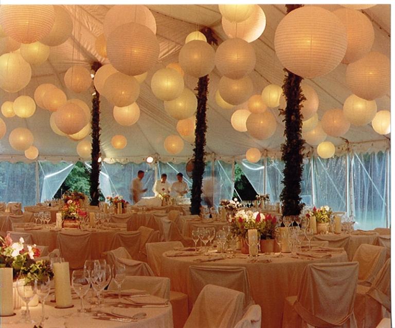 Elegant white lanterns, cupcakesoncommand.blogspot.com