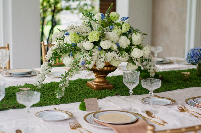 Photo by Evelyn Alas Photography, Floral Design by B Floral Event Design, Styled Shoot by Bright Occasions