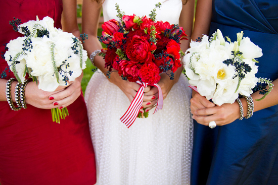 Via Bridal Guide http://www.bridalguide.com/blogs/bridal-buzz/fourth-of-july-wedding-ideas