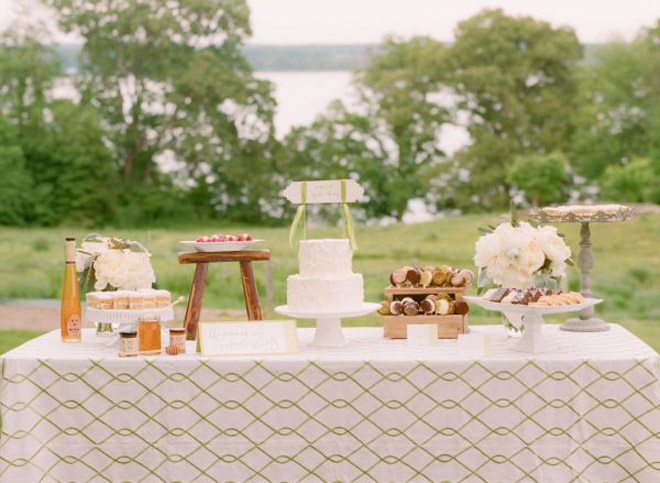 Incorporate linens with patterns in colors that go with your overall design aesthetic.   http://fetestudio.com/wedding-inspiration-pattern-linens/