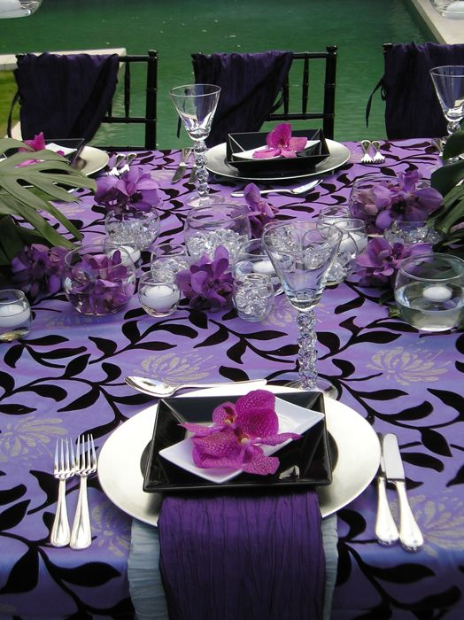 Purple Tablescapes via brillianteventplanning.com